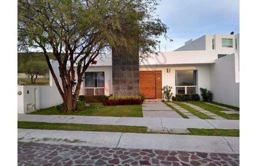 Vendo Amplia Casa El Encino Querétaro En $ 2,600,000 Pesos