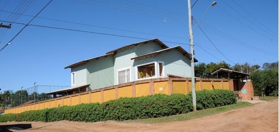 Casa Assobradada ,piscina Aquecida Solar, Churraqueira,forno
