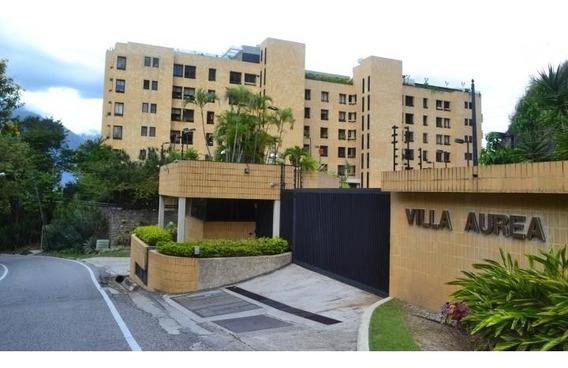 Lujoso Apartamento En Colina De Tamanaco 20-2136