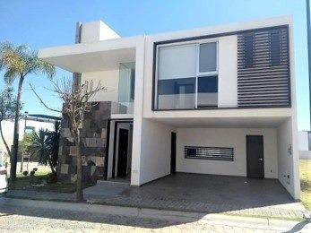Casa En Lomas De Angelopolis Parque Nuevo León