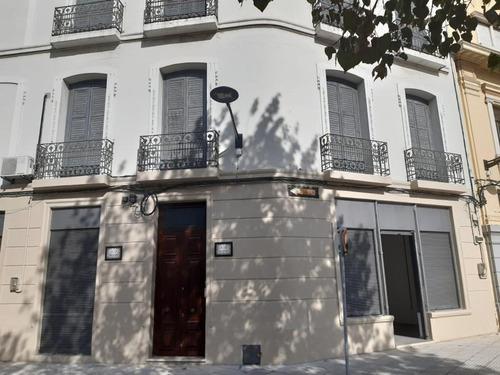 Venta Edificio Apartamentos Y Local Comercial En Rambla Puerto