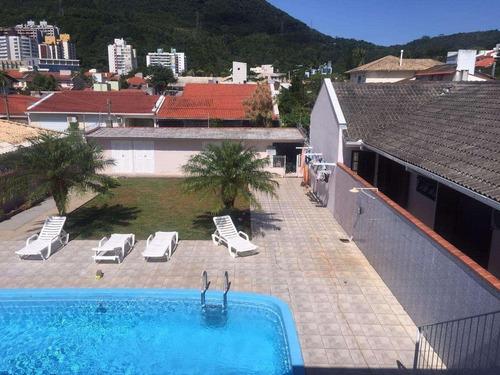 Casa A Venda Com 6 Quartos, No Itacorubi! - Ca0157