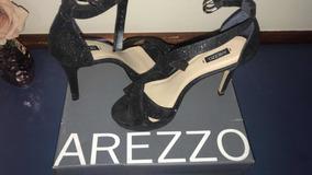 Sandália Arezzo!
