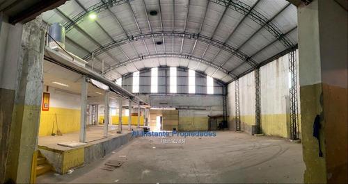 Imagen 1 de 12 de Vendo O Alquilo Local Industrial En Tres Cruces