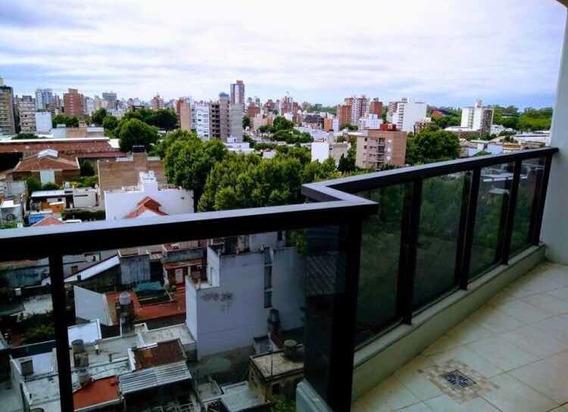Comodo Y Luminoso Depto En Zona Centro De Rosario.
