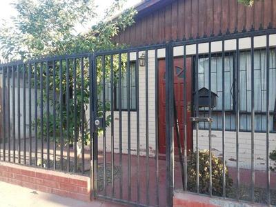 Casa En Arriendo De 2 Dorm. En Maipú