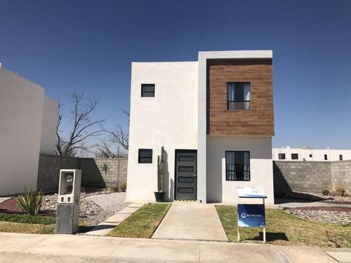 Casa Sola En Venta Fraccionamiento Tabachines