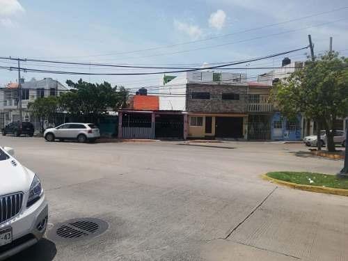 ¿venta De Cuarteria, Con 8 Habitaciones Y 2 Departamentos¿