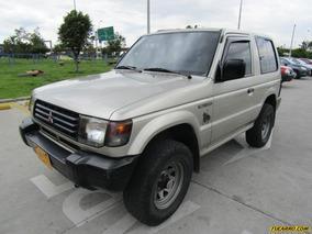 Mitsubishi Montero 1400
