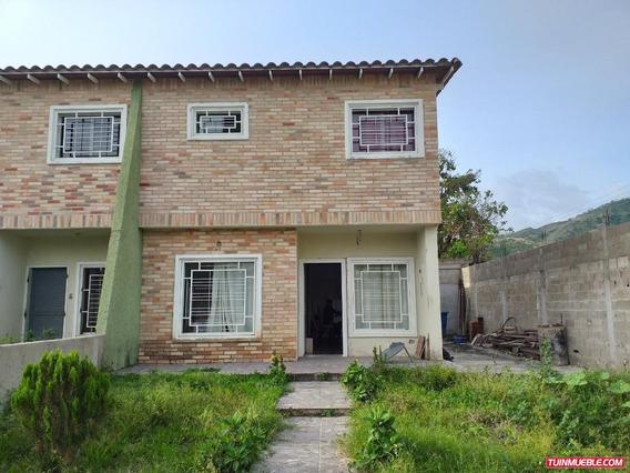 Townhouses En Venta En Turmero 04121994409