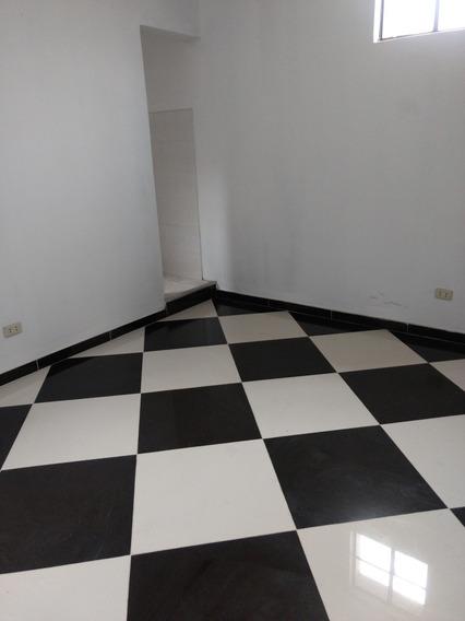 Departamento De Dos Dormitorios, Sala, Comedor ,cocina Y Bañ