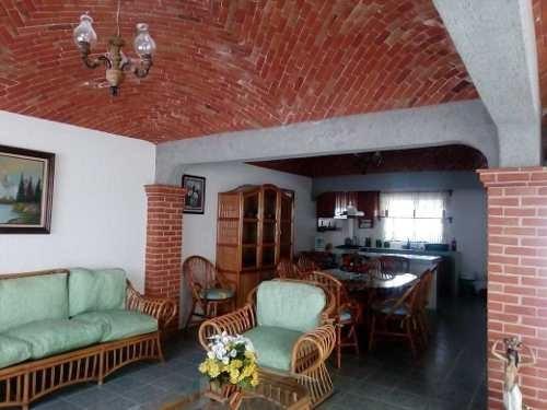 Se Vende Casa Tipo Colonial Mexicana En Fraccionamiento En Tequisquiapan