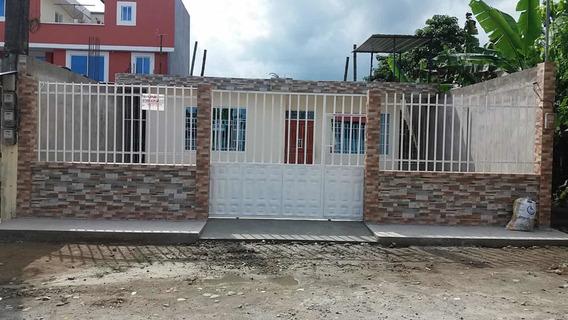 Casa Con 4 Habitaciones, Muy Amplia .