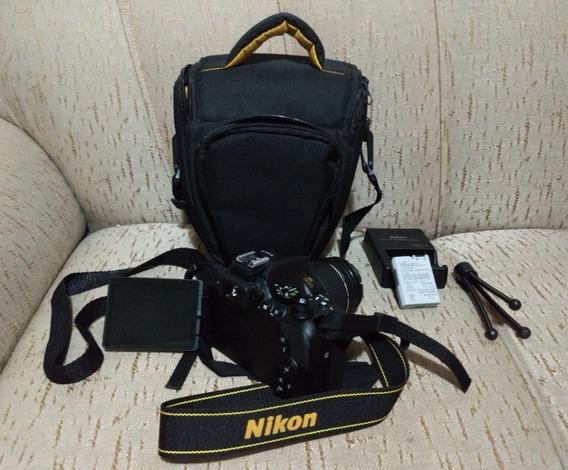 Nikon D5600 Com 18/55 + Card 32gb + Tripé + Carr. Bateria