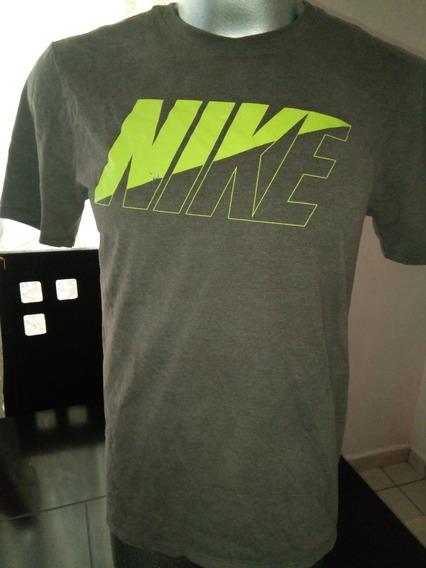 Playera Nike De Algodón Talla Mediana Algo Descolorida