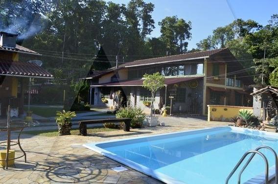 Casa Na Região Central De Rio Dos Cedros/sc - 8927