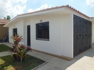Casa En Venta Trigal Norte Valencia Codigo 20-16 Raco
