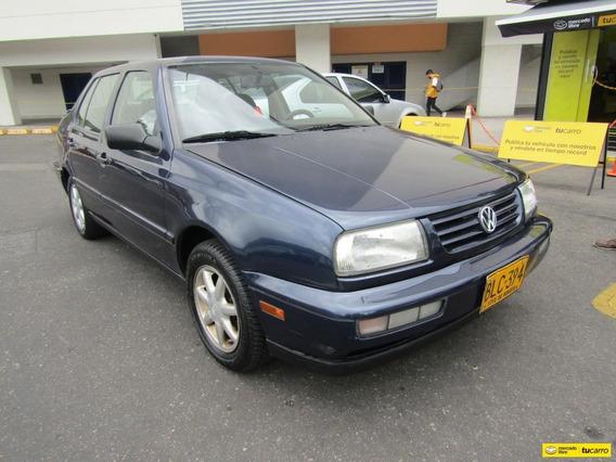 Volkswagen Vento Europa Mt 2000
