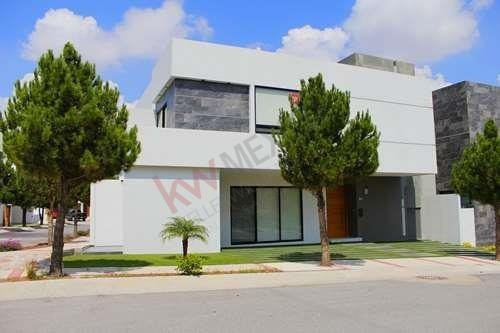 Casa En La Loma Club De Golf $36,000.00 Exclusividad Y Seguridad