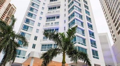 Alquiler De Apartamento En Costa Del Este 19-3030 **hh**