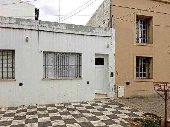 Casa En Alquiler 2 Dormitorios En Campana Centro