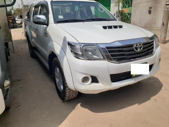 Toyota Hilux Srv 4x4 Año 2014 Precio $ 14,700.00