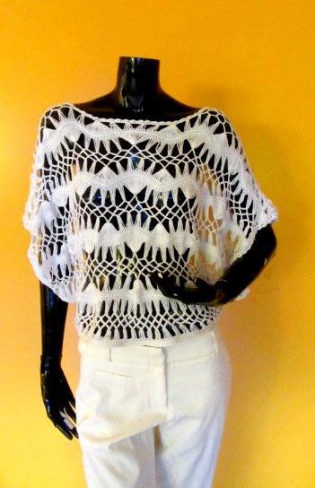 Polera Calada Tipo Sweater Color Blanco.