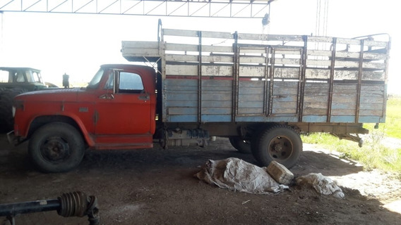 Camion Dodge 500 Con Caja Ganadera