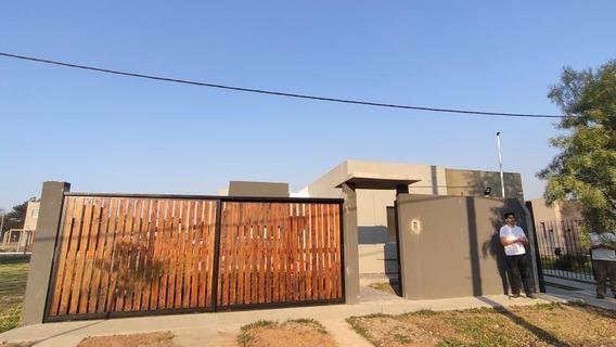 Venta Casa 2 Dorms. C/pileta - 487 E133 Y 134 - La Plata