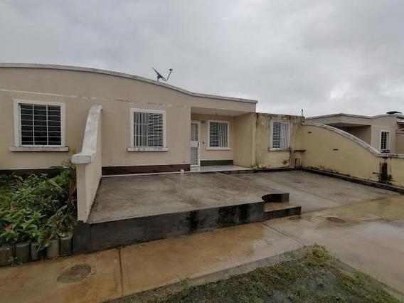 Casa En Venta Roca Del Llano Mls 19-16743 Rbl