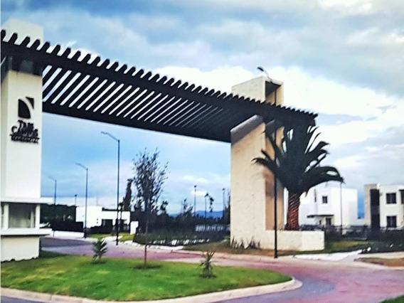 Casa En Venta En Tres Cantos, Querétaro