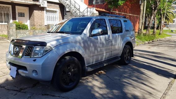 Nissan Pathfinder 2.5 Le 4x4 5at 2007 7 Asientos