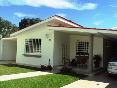 Casa En Venta En Maracay- La Floresta