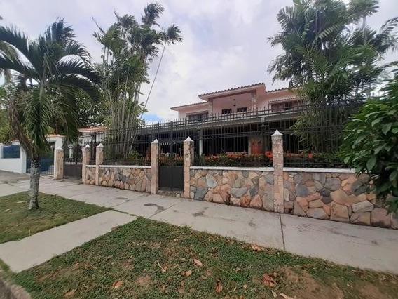 Casa En Venta Trigal Centro Valencia Carabobo 20-5583 Dag