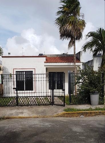 Imagen 1 de 10 de Rento Casa En Residencia Santa Fe Al Final De Av. La Luna