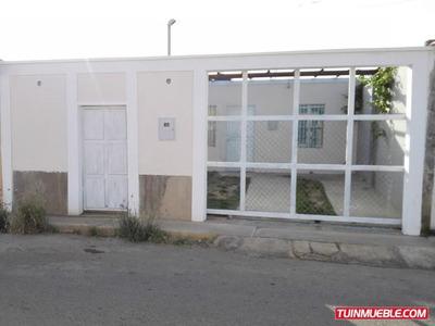 Se Vende Casa Urb. El Cardon