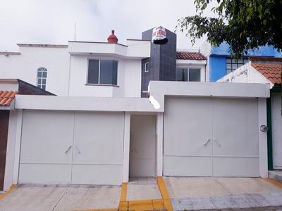 Casa Morelia De 3 Recamaras, 2.5 Baños, Terminados De Lujo.