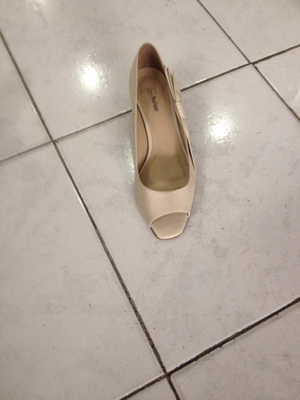 Sapato Dourado - Tamanho 43