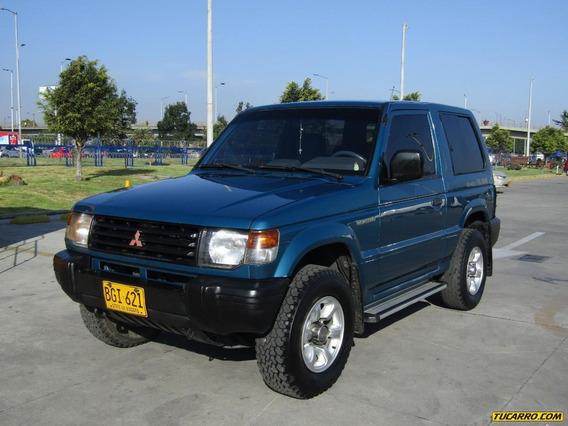 Mitsubishi Montero Cabinado