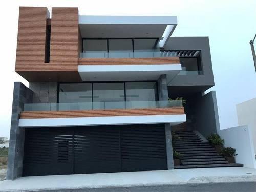 Hermosa Casa En Venta En Fracc Playas Del Conchal