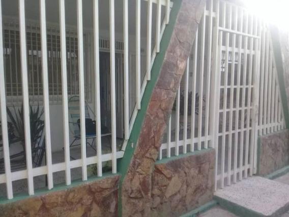 Casas En Venta En Maracaibo, Atgt. Mls.20-448 San Jacinto.