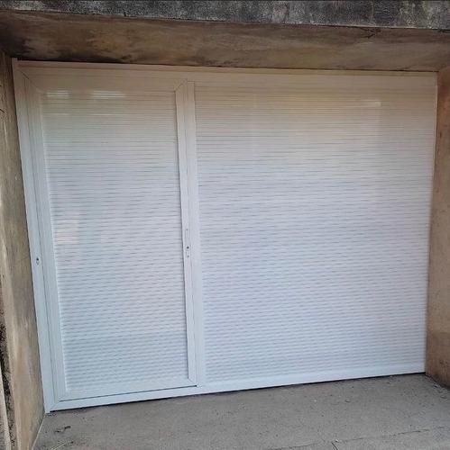 Imagem 1 de 1 de Portão De Alumínio Branco