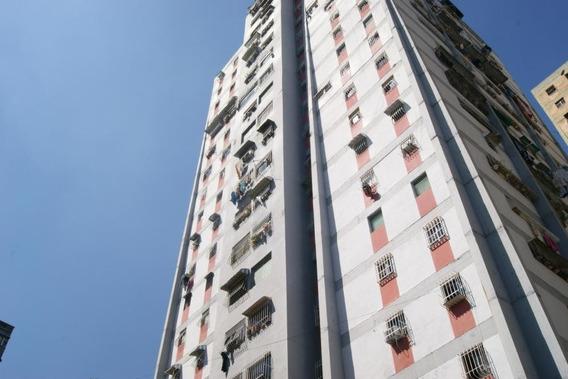 Venta De Apartamento Caricuao Gina Briceño 19-7667