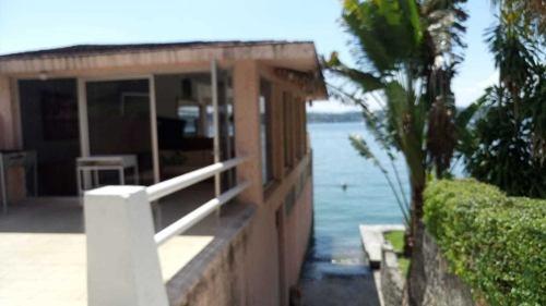 Linda Casa Tipo Chalet En Condo Iberia *con Acceso Al Lago*