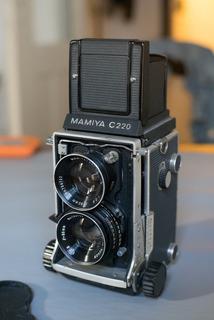 Camara Mamiya C220 Formato Medio Con Lente 80mm Tlr