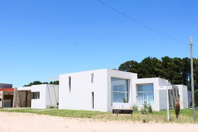Casa Pinamar Tridente Minimalista Moderna De 1 Calidad