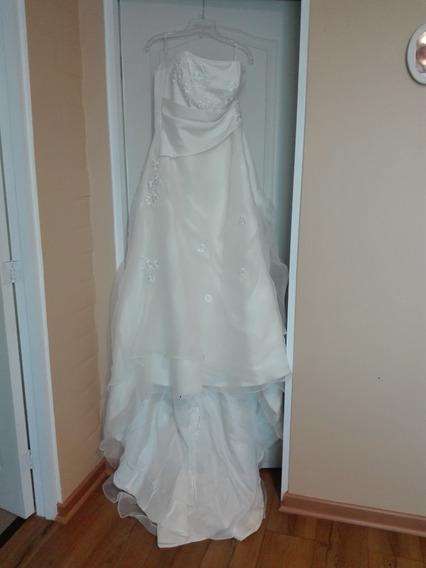 Vestido De Novia Y Chaquetilla Novio Más Accesorios