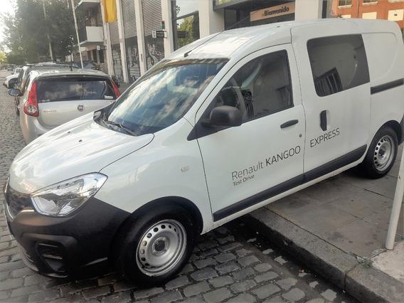 Renault Kangoo Emotion 5a Patentada 0 Km Sin Rodar! (aes)