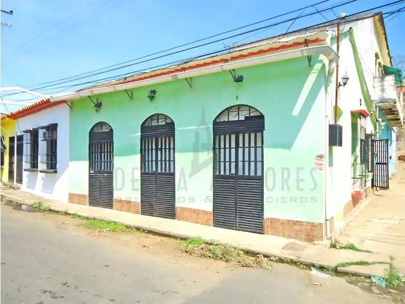 Ledezma Asesores Vende Casa En Santa Ana, Casco Historico