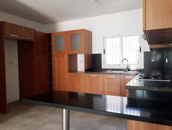 04145725250cod-20-21056 Casa En Venta Centro De Coro